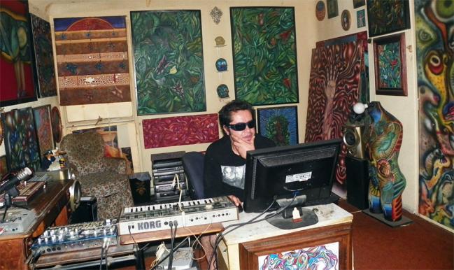 http://in-sonora.org/wp-content/uploads/2013/10/uwe-estudio1-wpcf_649x386.jpg