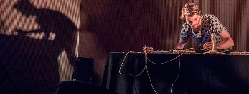 Surveillance_Music_instalacion_sonora